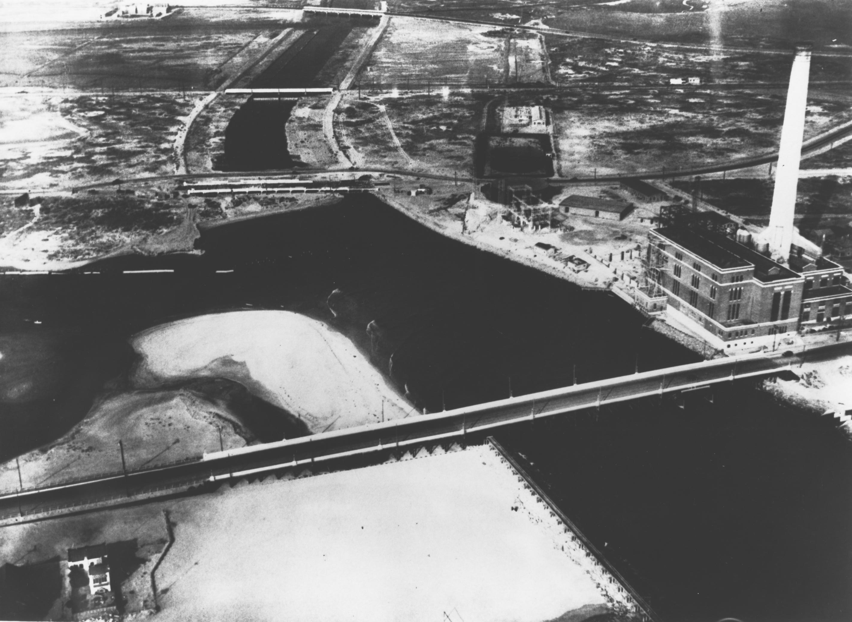 [Image: 1933-09-14-seal-beach-historical-aerial-views-0221.jpg]