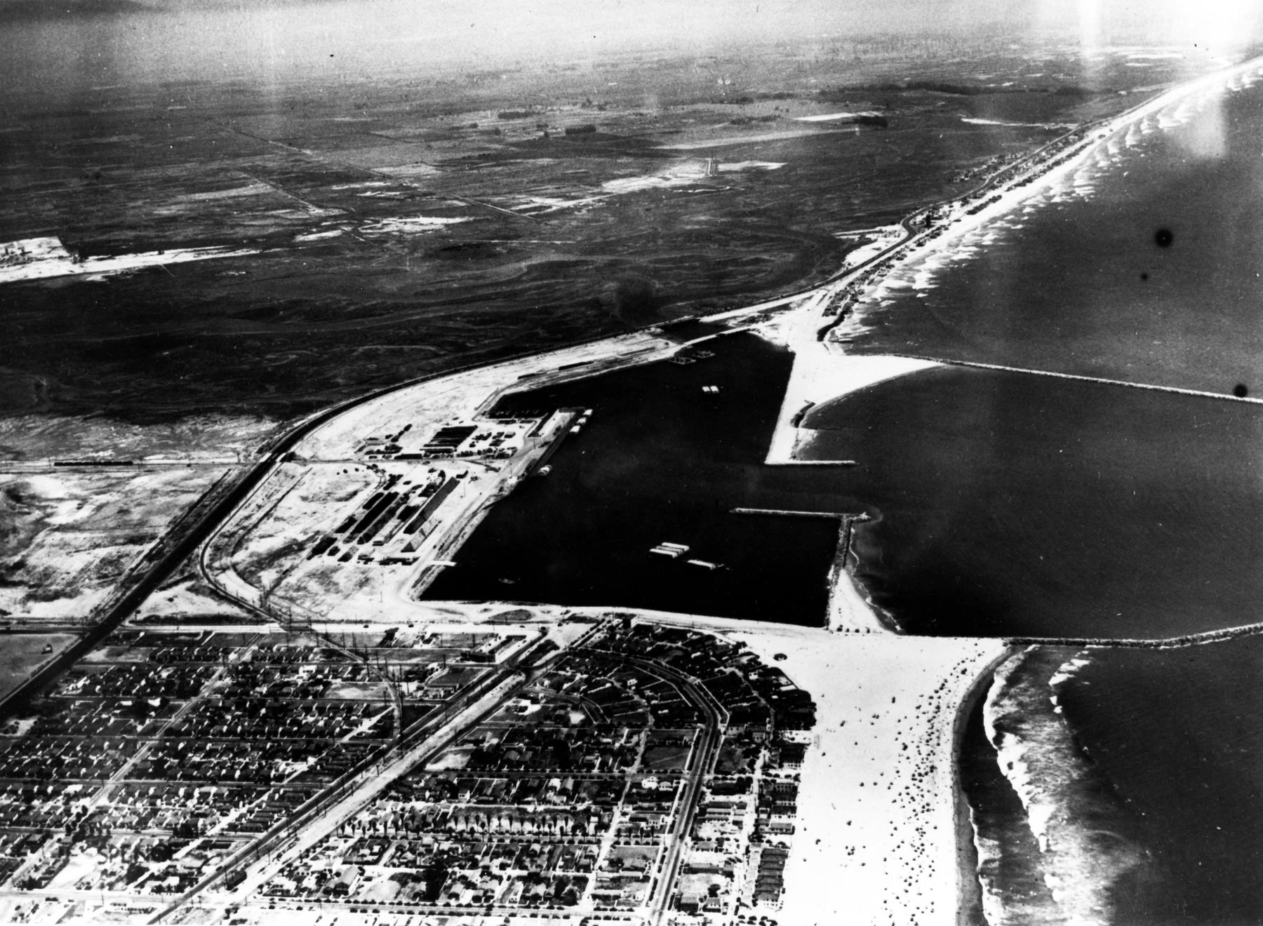 [Image: 1947-07-27-aerial.jpg]