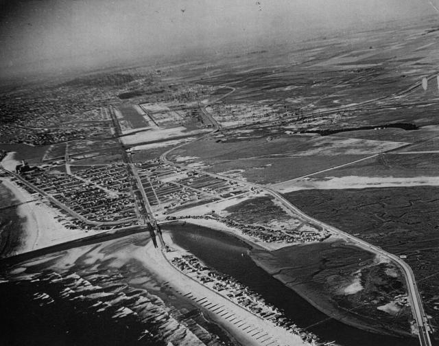 1939 Seal Beach