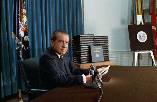 1200px-Nixon_edited_transcripts